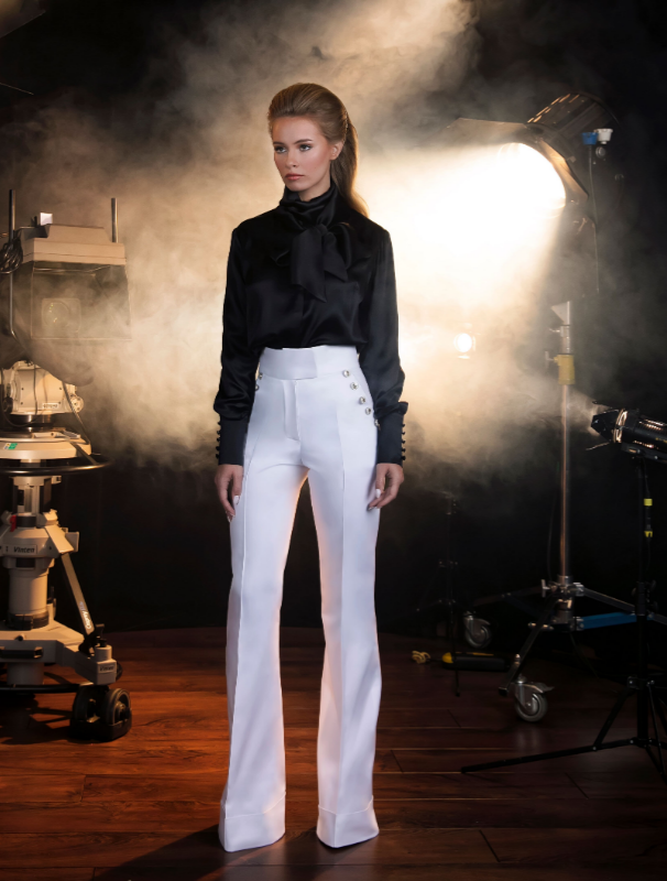 Trousers flared with cuffs